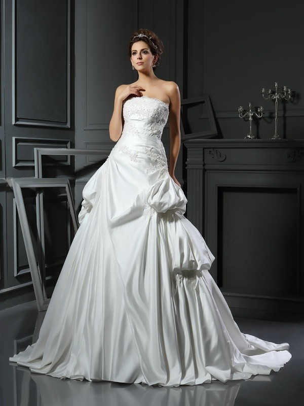 eefe84313719 Ball Gown Strapless Applique Sleeveless Long Satin Wedding Dresses