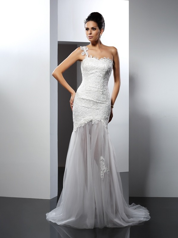 14acc9acc259 Trumpet/Mermaid One-Shoulder Lace Sleeveless Long Lace Wedding Dresses