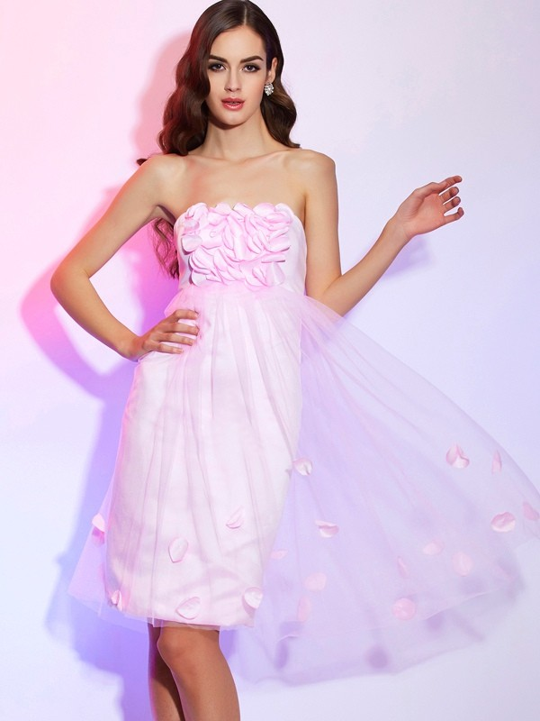 A-Line/Princess Strapless Sleeveless Hand-Made Flower Short Net Bridesmaid Dresses