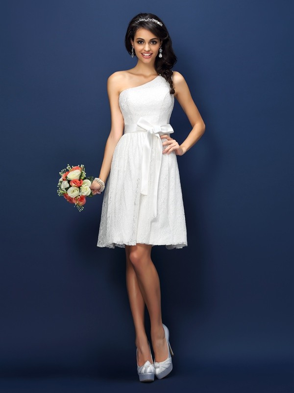 A-Line/Princess One-Shoulder Lace Sleeveless Short Lace Bridesmaid Dresses