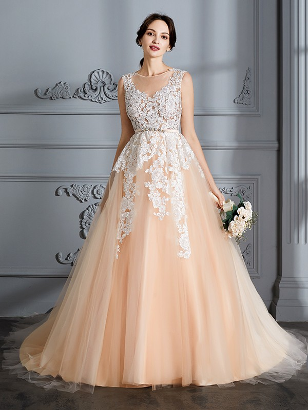 Ball Gown Scoop Sleeveless Court Train Tulle Wedding Dresses