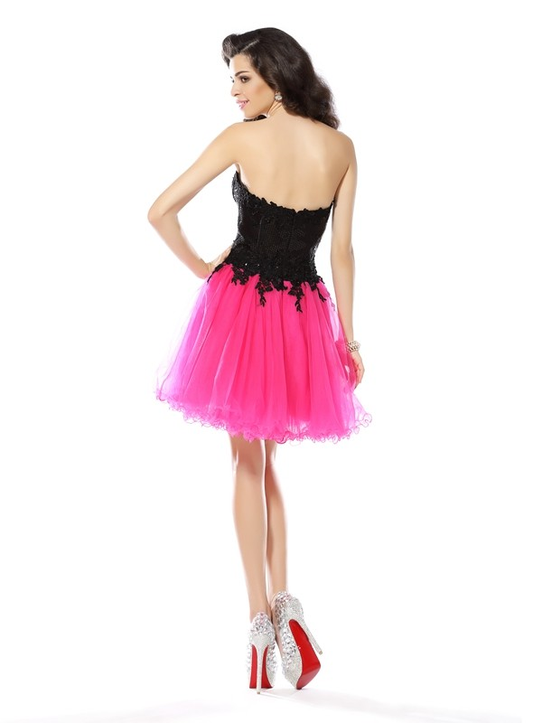 A-Line/Princess Sweetheart Lace Sleeveless Short Net Cocktail Dresses