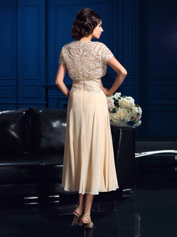 A-Line/Princess Square Applique Sleeveless Short Chiffon Mother of the Bride Dresses