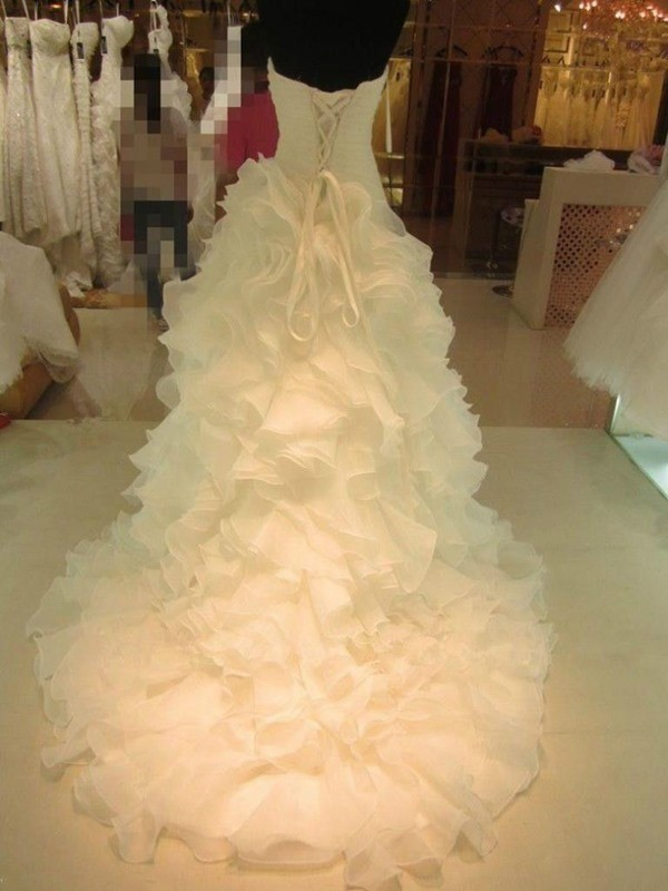 Ball Gown Ruffles Sweetheart Organza Sleeveless Court Train Wedding Dresses